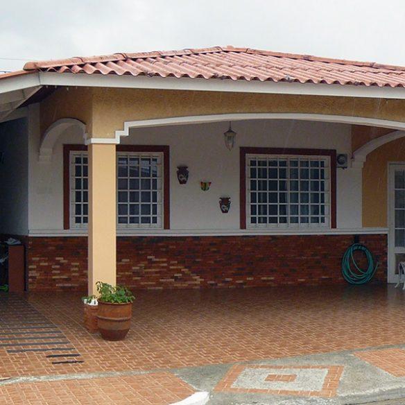 Linda casa unifamiliar en Villa Zaita