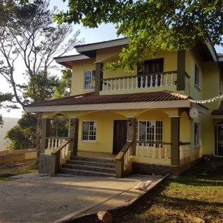 Preciosa Residencia en Altos de Cerro Azul
